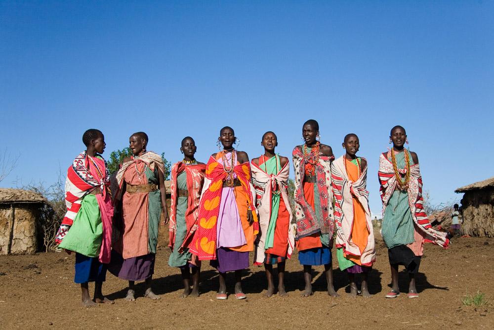 K135 Massai women