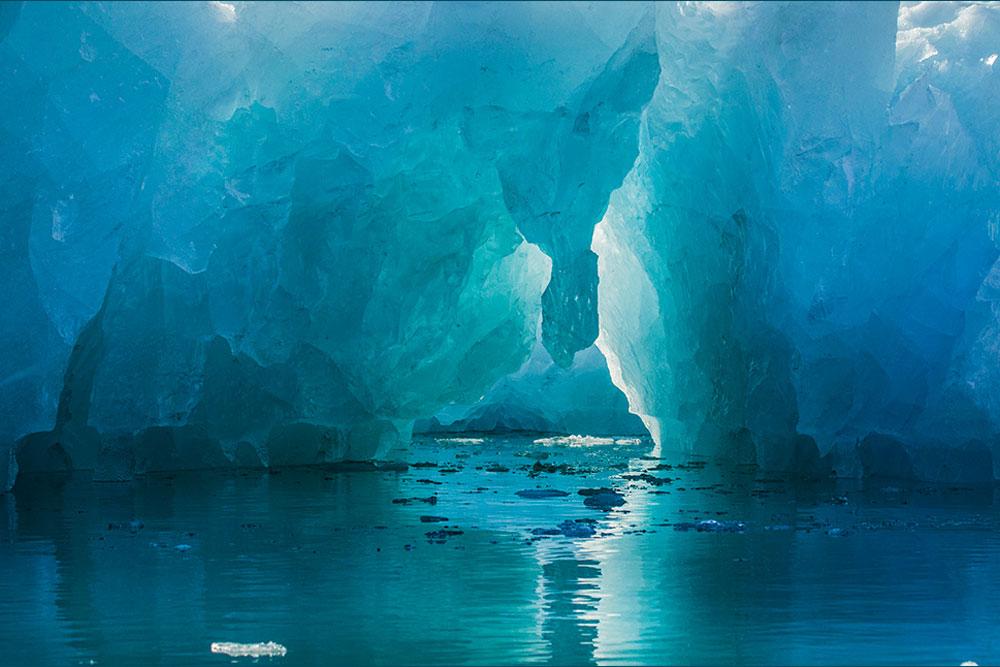 PF03 Das Innere eines Eisbergs / inside an iceberg